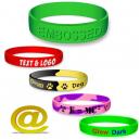 Skräddarsydda silikonarmband med din text och logotyp