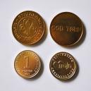 Anpassade mässing tokens med text och logotyp