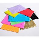 Blank plastband i olika färger med knapplås
